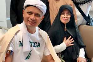 Ibunda Ustaz Arifin Ilham Mengaku Didatangi Mendiang Putranya Lewat Mimpi