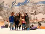 Keseruan travelling ke Trans Snow World Bekasi. Foto Istimewa