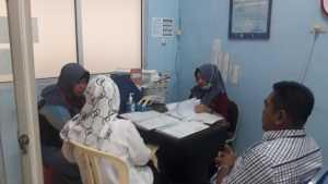 Pengurusan administrasi pengobatan Yayat di RSUD Kota. Foto Istimewa