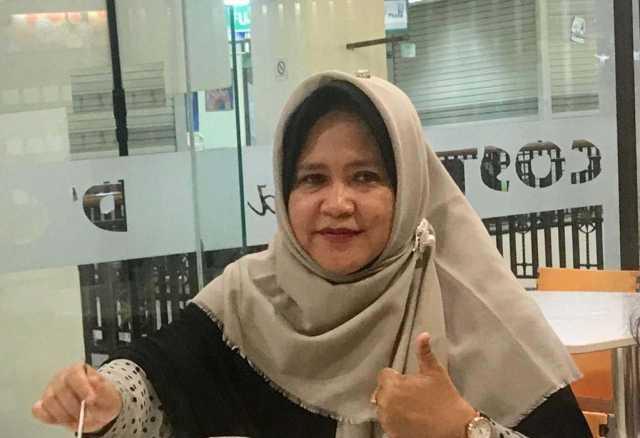 Dr. Hj. Rina Marlina, M.Si.,