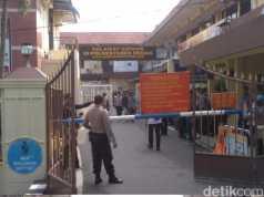 Suasana di depan Polrestabes Medan usai ledakan bom. (Datuk Haris Molana/detikcom)