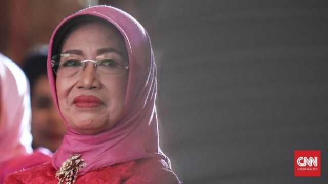 Ibunda Jokowi, Sujiatmi, dikabarkan meninggal dunia. (CNN Indonesia/Hesti Rika)