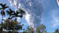Gunung Sinabung (Antara Sumut)