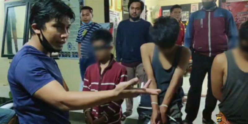 Para Tersangka saat Diamankan di Polsek Wonosobo Tanggamus.Foto Humas Polres Tanggamus