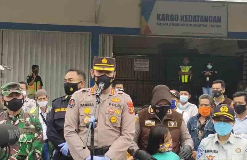 Kabid Humas Polda Lampung Kombes Pol Zahwani Pandra Arsyad, saat memberikan keterangan di Lampung Selatan. Rabu. (27/1/2021) (ANTARA/Dian Hadiyatna)