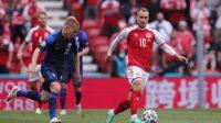 Christian Eriksen sempat pingsan di laga Denmark vs Finlandia. (Pool via REUTERS/FRIEDEMANN VOGEL)